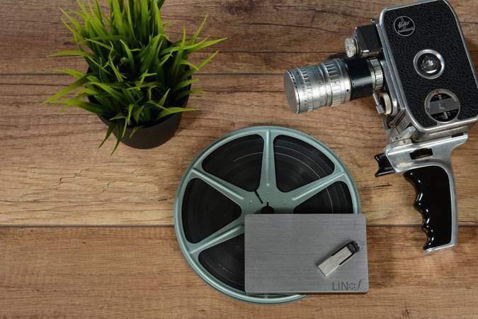 """המרת סרטי 8 מ""""מ לקבצים דיגיטליים באיכות 2K בשיטת סריקה Frame by Frame. המרת סרטי סופר 8 מ""""מ"""